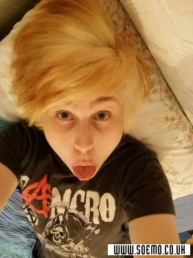 soEmo.co.uk - Emo Kids - Suicidaldave