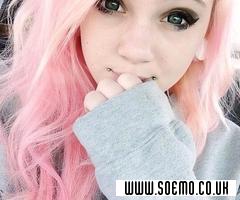 soEmo.co.uk - Emo Kids - strawberrry